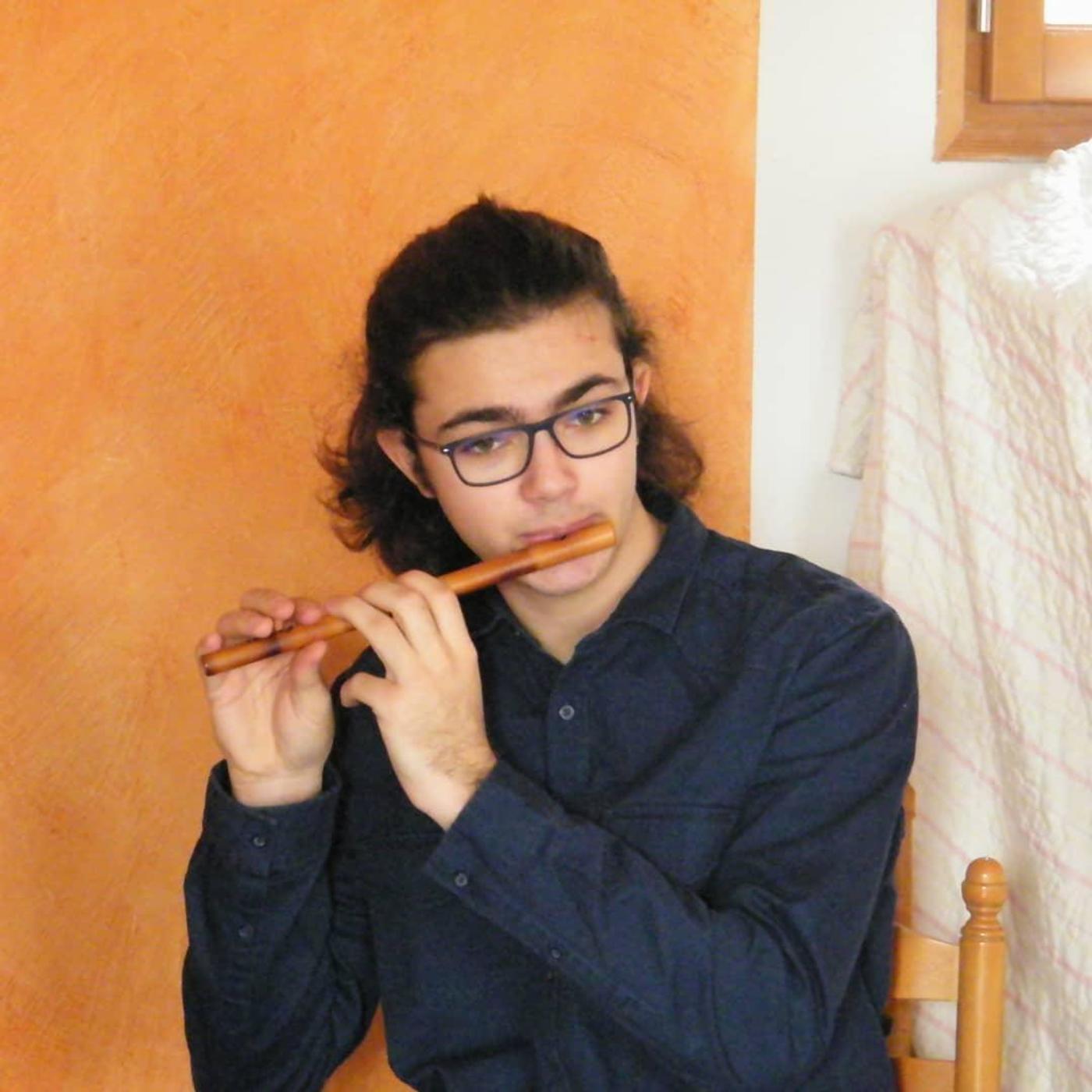 "Entrevista de Mathys Marie, musician dins ""Los Tresbadors"" (OC)"