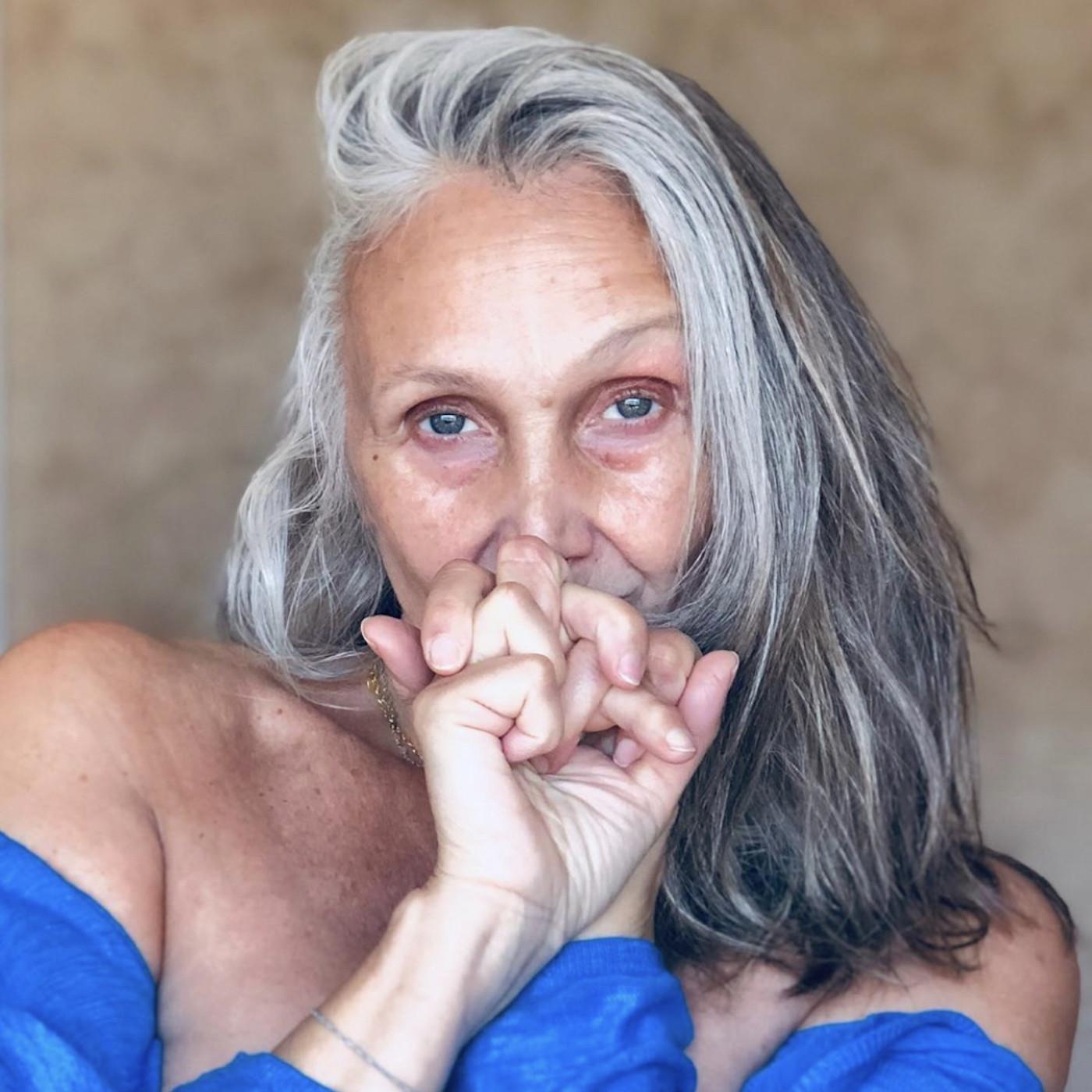 "#4 Saison 2- Caroline IDA: ""Sexygénaire"" assumée et silver influenceuse"