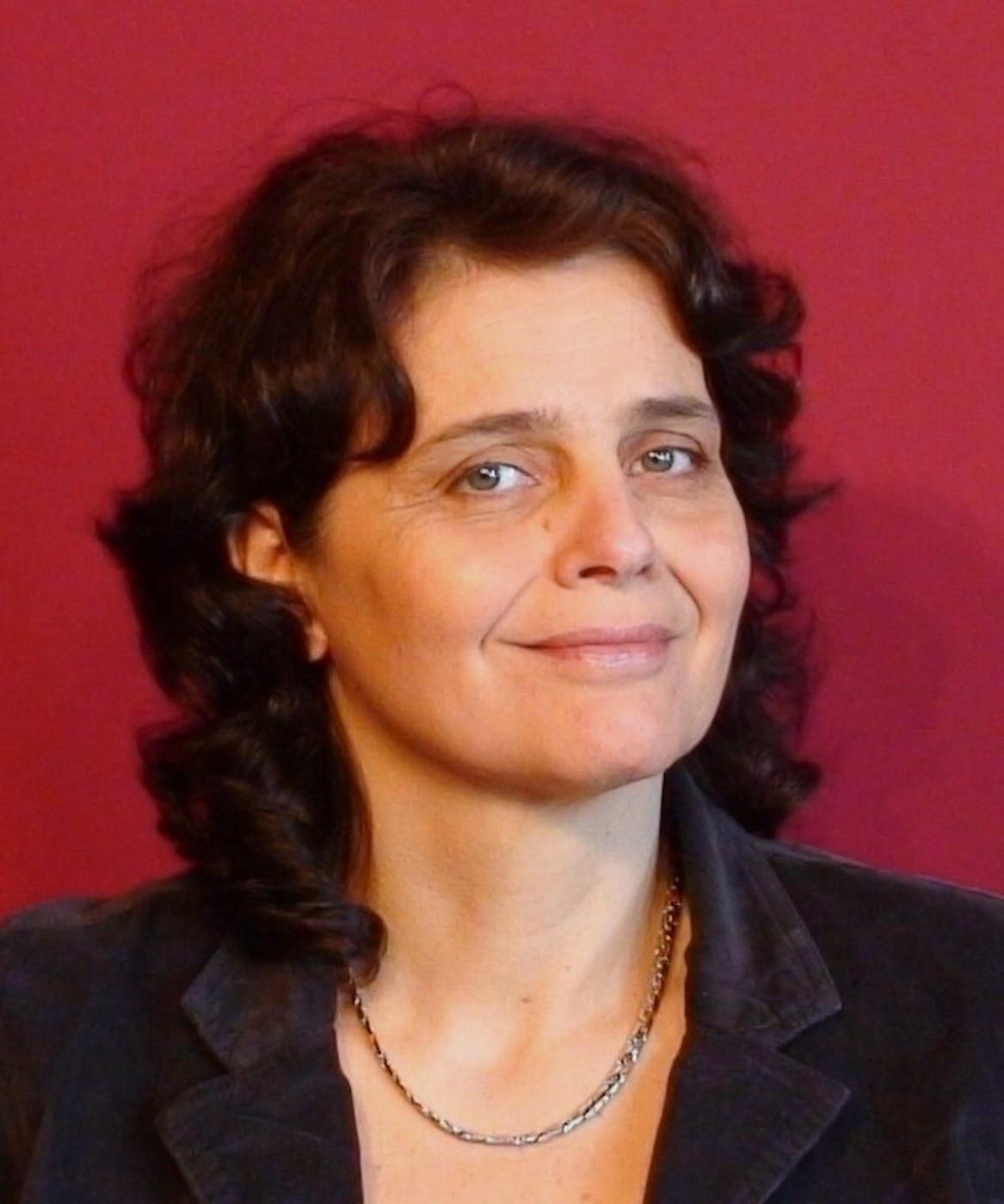 #3 Saison 3 - Isabelle Germain: Regard aiguisé sur la place des femmes dans les médias