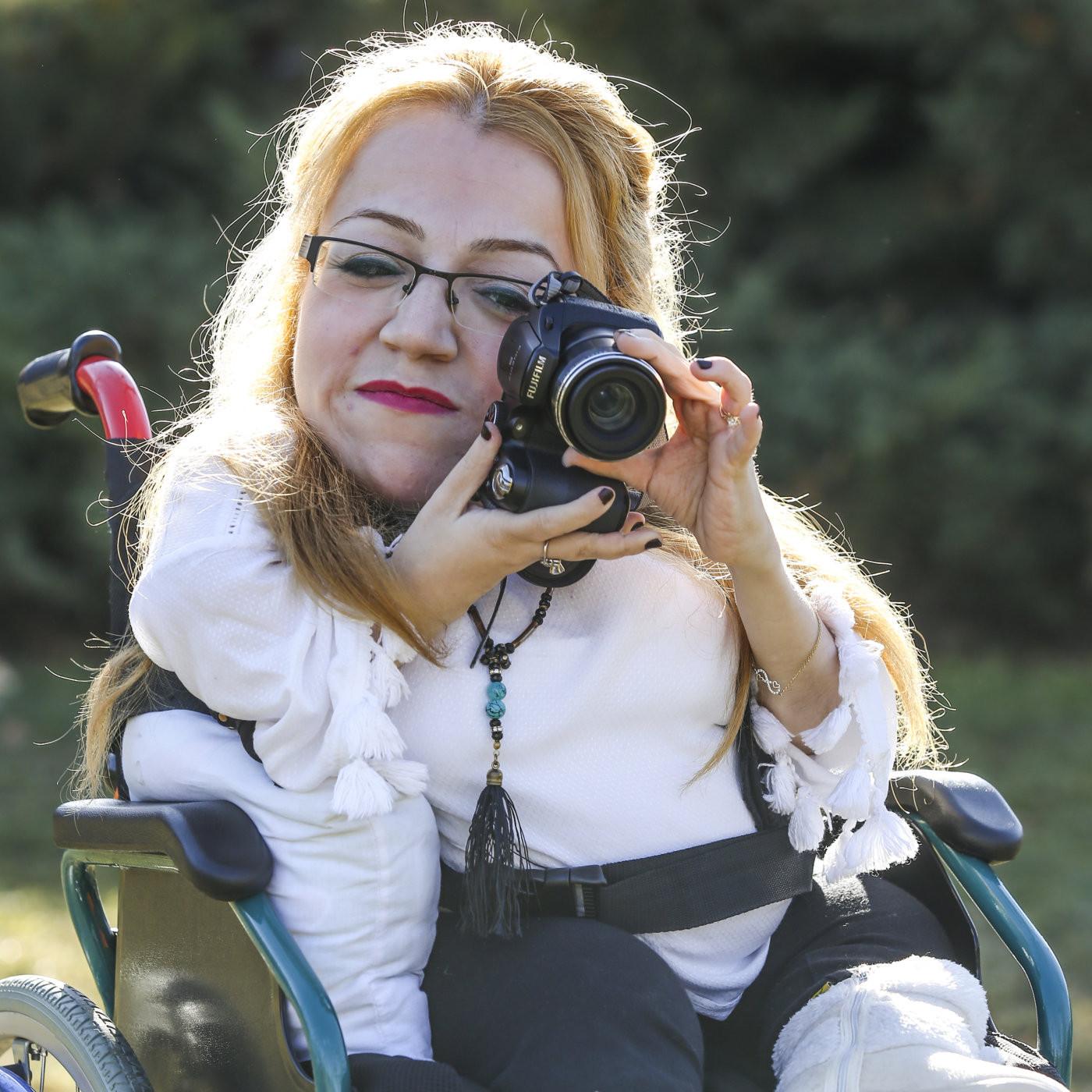 Elif Gamze Bozo - Şair-Yazar-Fotoğraf sanatçısı