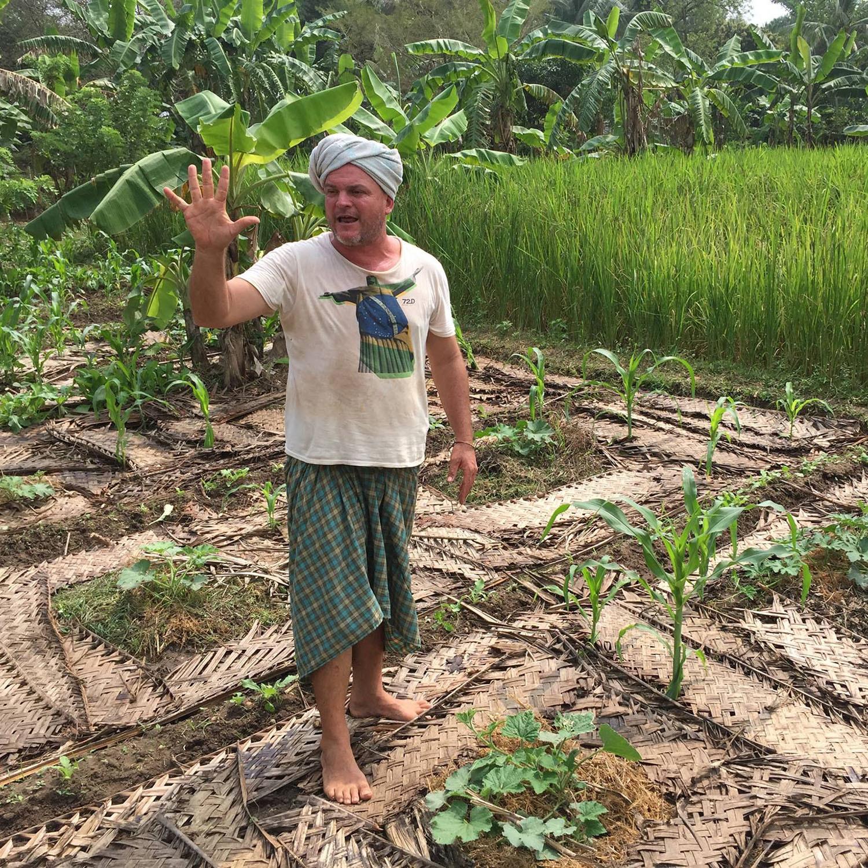 Krishna Mac Kenzie et la permaculture à Auroville